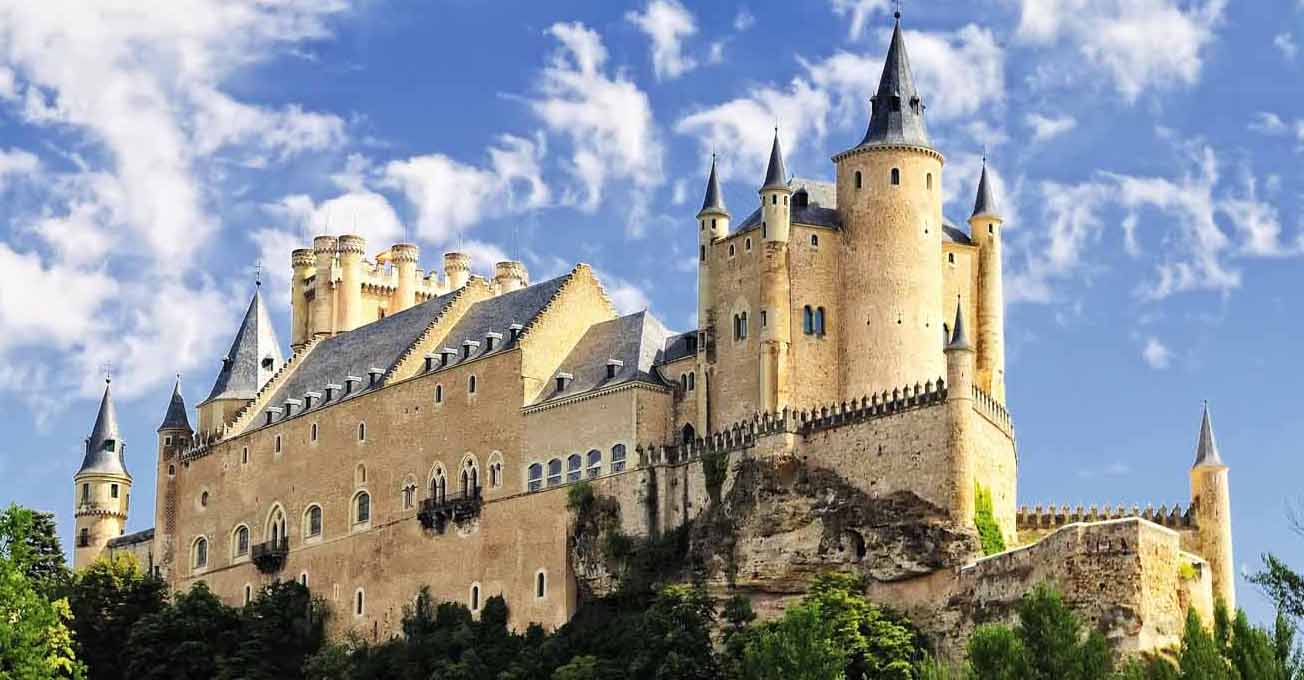 alcazar_in_segovia_spain.jpg (104.13 Kb)