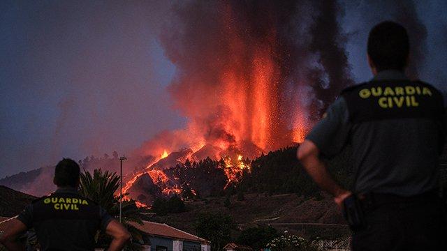 Вулкан на Канарах припинив вивергати лаву