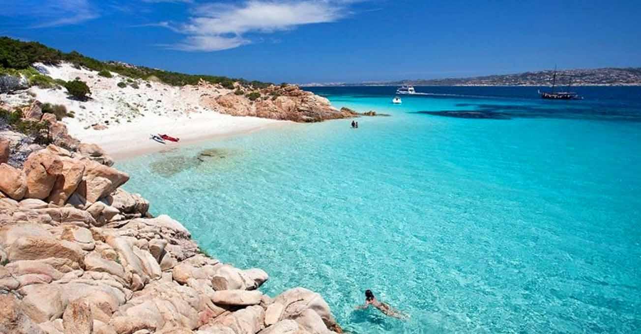 Пляжі, де краще засмагати влітку