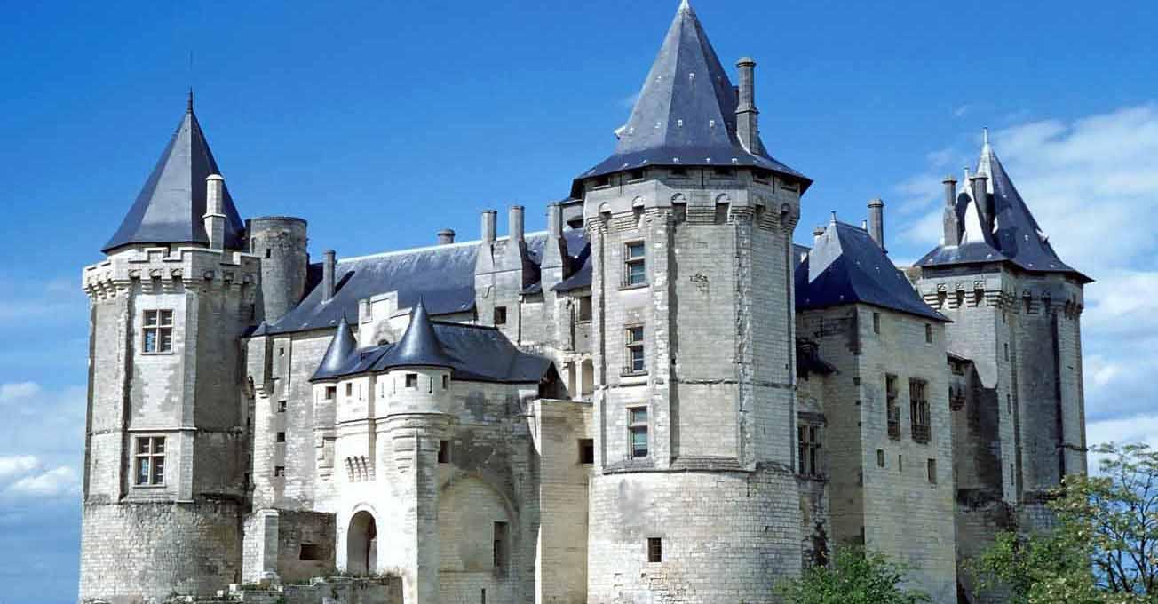 castle_saumur_france.jpg (88.52 Kb)
