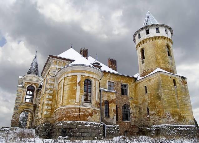 Невідомий палац - замок на Прикарпатті