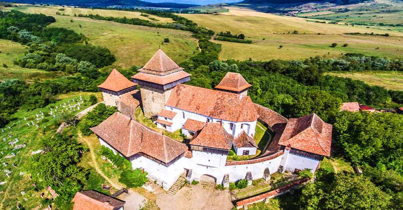 fortified_church_of_viscari_romania.jpg (1.05 Kb)