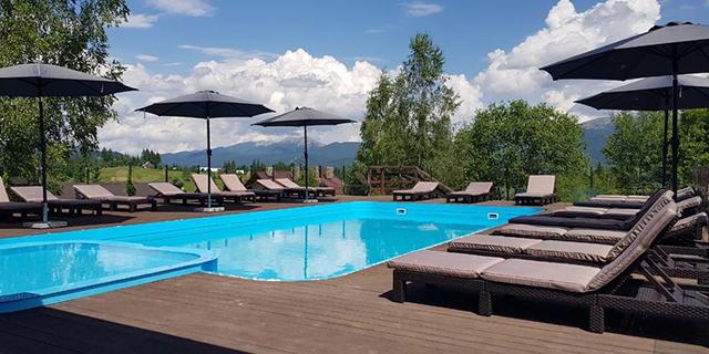 Найцікавіші готелі з басейном у Карпатах