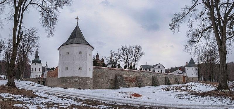 Крехівський монастир. Фортеця непідвладна часу