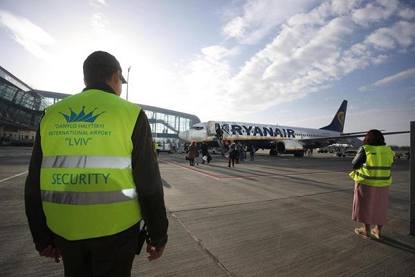 Ryanair вже літає зі Львова. Графік польотів