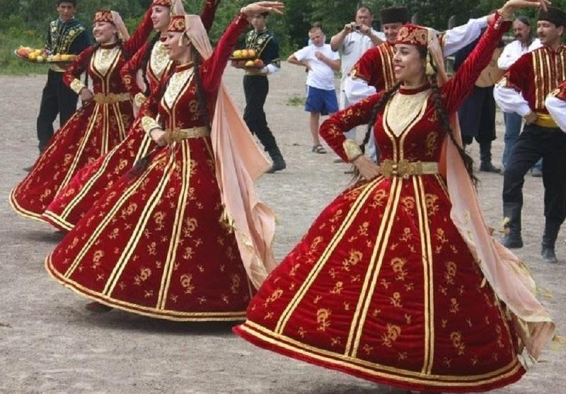 narodzhennya_odruzhennya_i_smert_u_krimskih_tatar.jpg (190.19 Kb)
