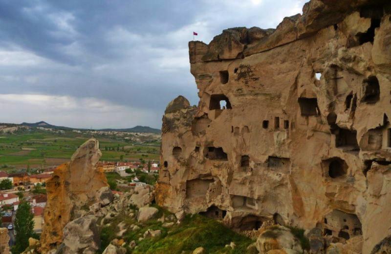 Дивовижні печерні та скельні міста світу. Частина 2