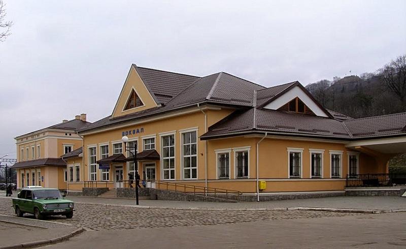 stanciya_pid_visokim_zamkom1.jpg (126.07 Kb)