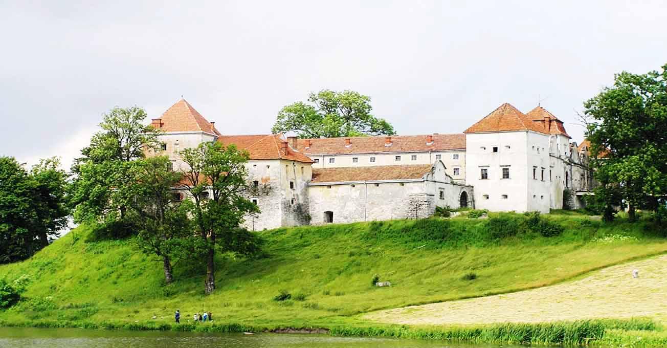svirzhsky_castle.jpg (97.24 Kb)