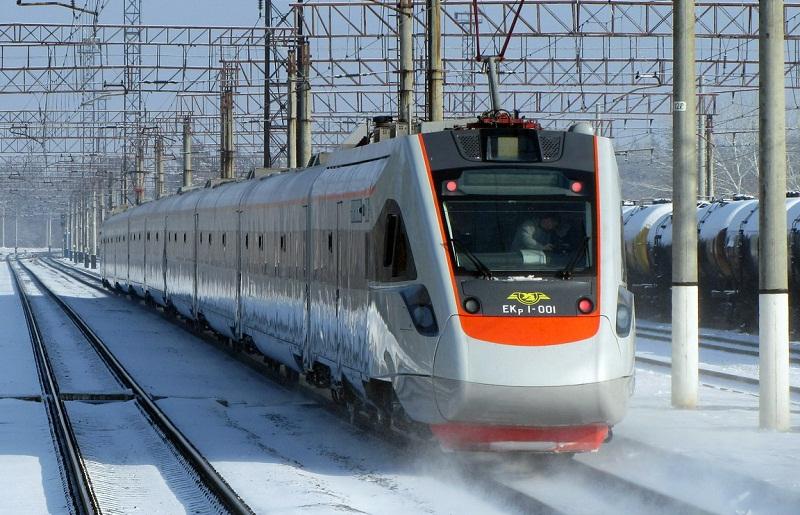 Укрзалізниця додає п'ять поїздів на свята. Розклад руху