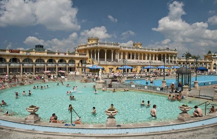 Термальні води Закарпаття? В Європі дешевше.