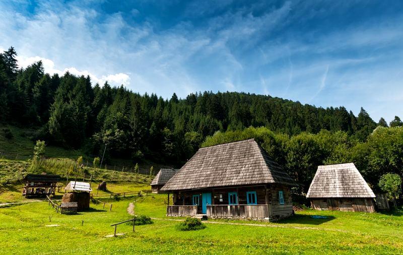 Туристичні села України