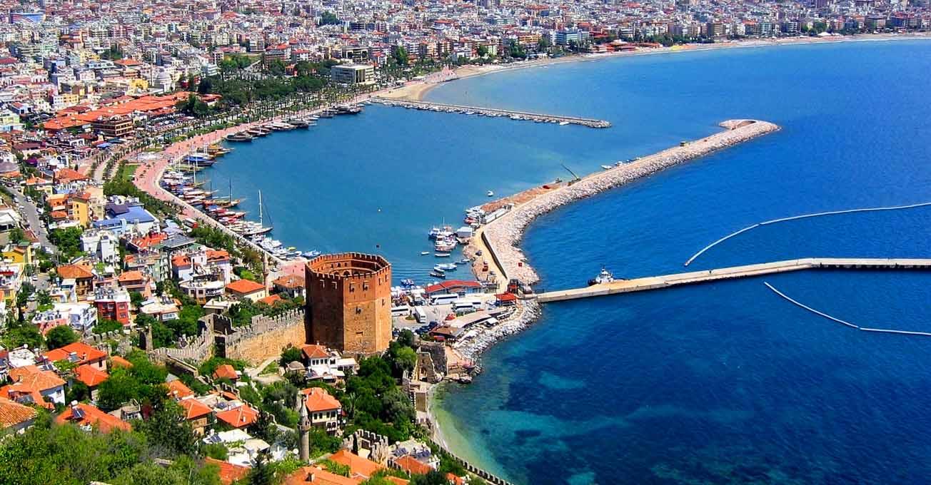 Туреччина дешевшає до початку навчального року