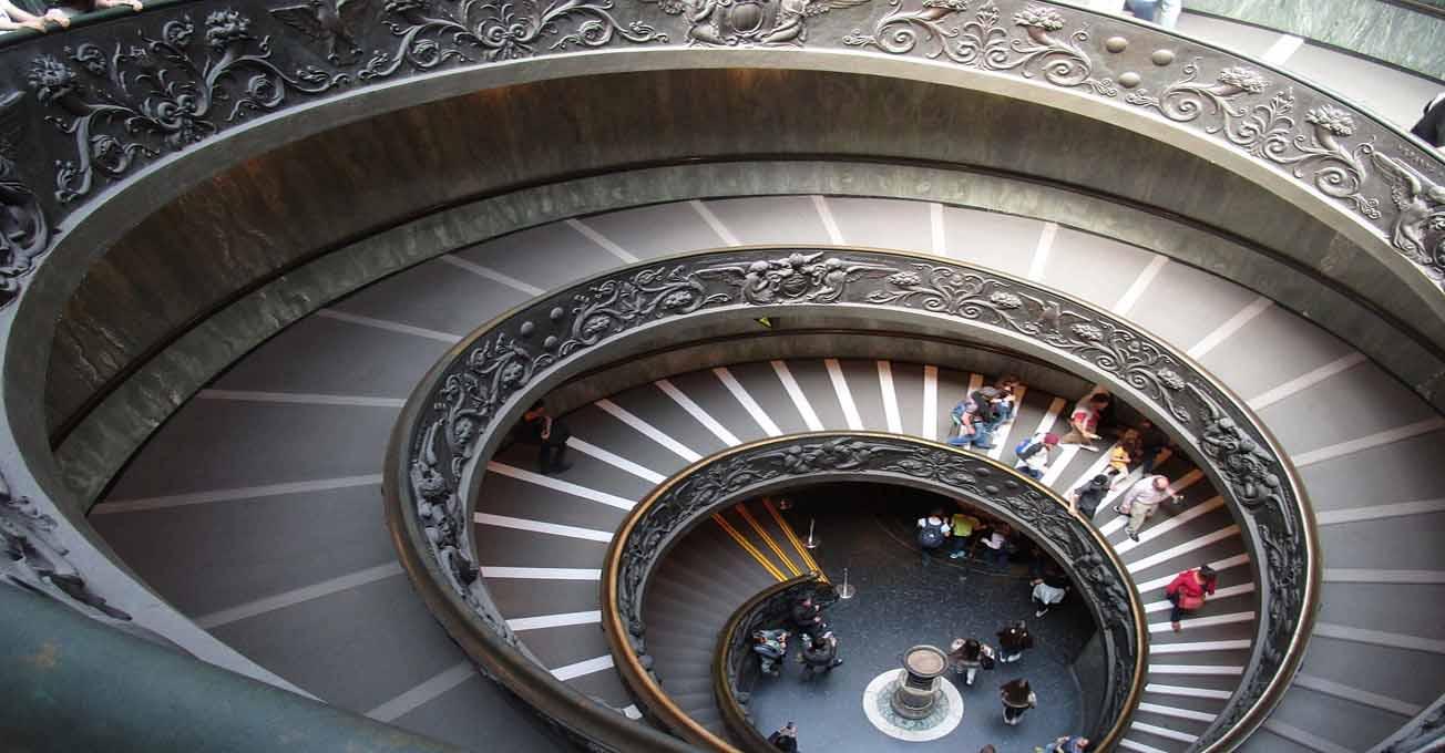 vatican_steps.jpg (94 Kb)