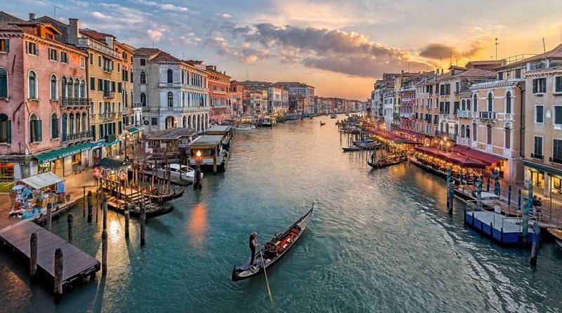 Відновлять рейс до Венеції