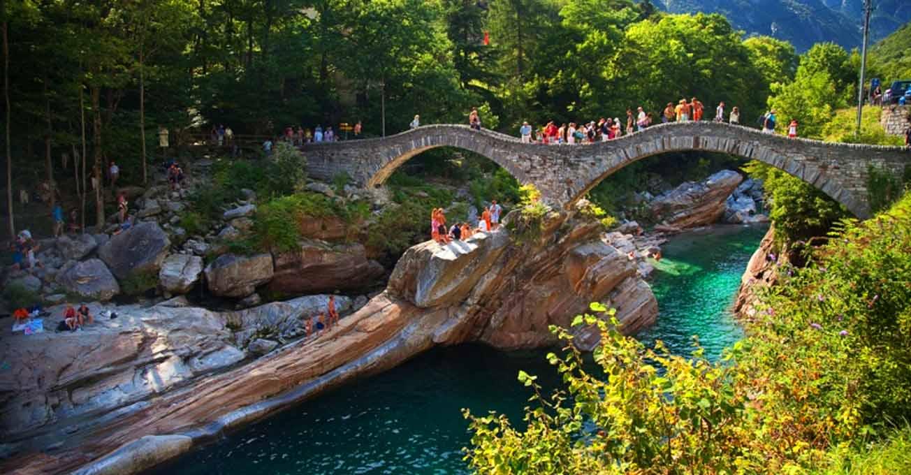 Річка Верзаска - найпрозоріше диво у світі