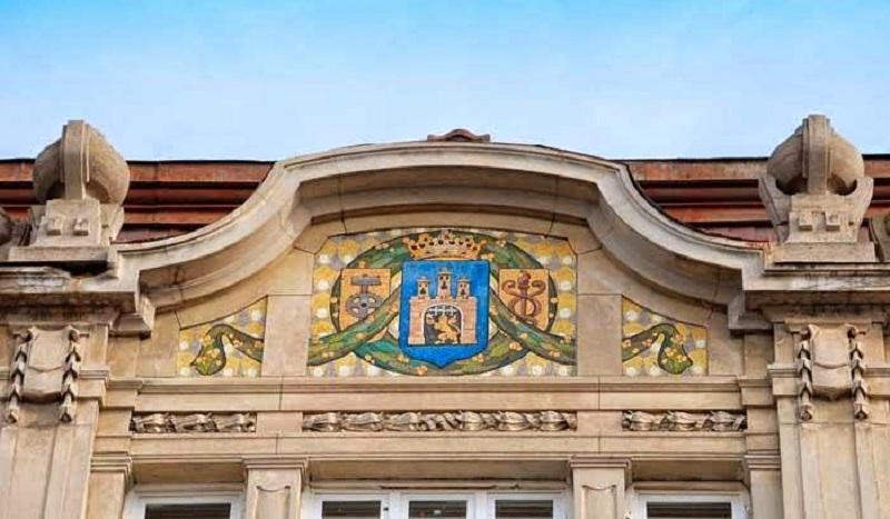 Історичний вітраж у будинку прокуратури на проспекті Шевченка реставрували двічі