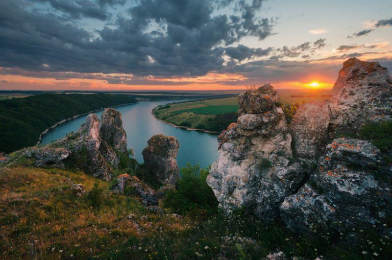 Неймовірні місця Західної України