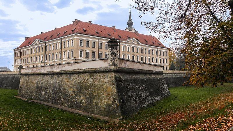 zamek.jpg (192.94 Kb)