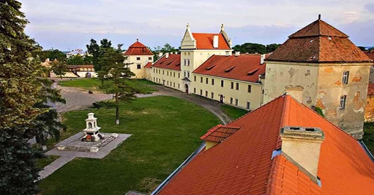 zhovkva_castle.jpg (87.54 Kb)