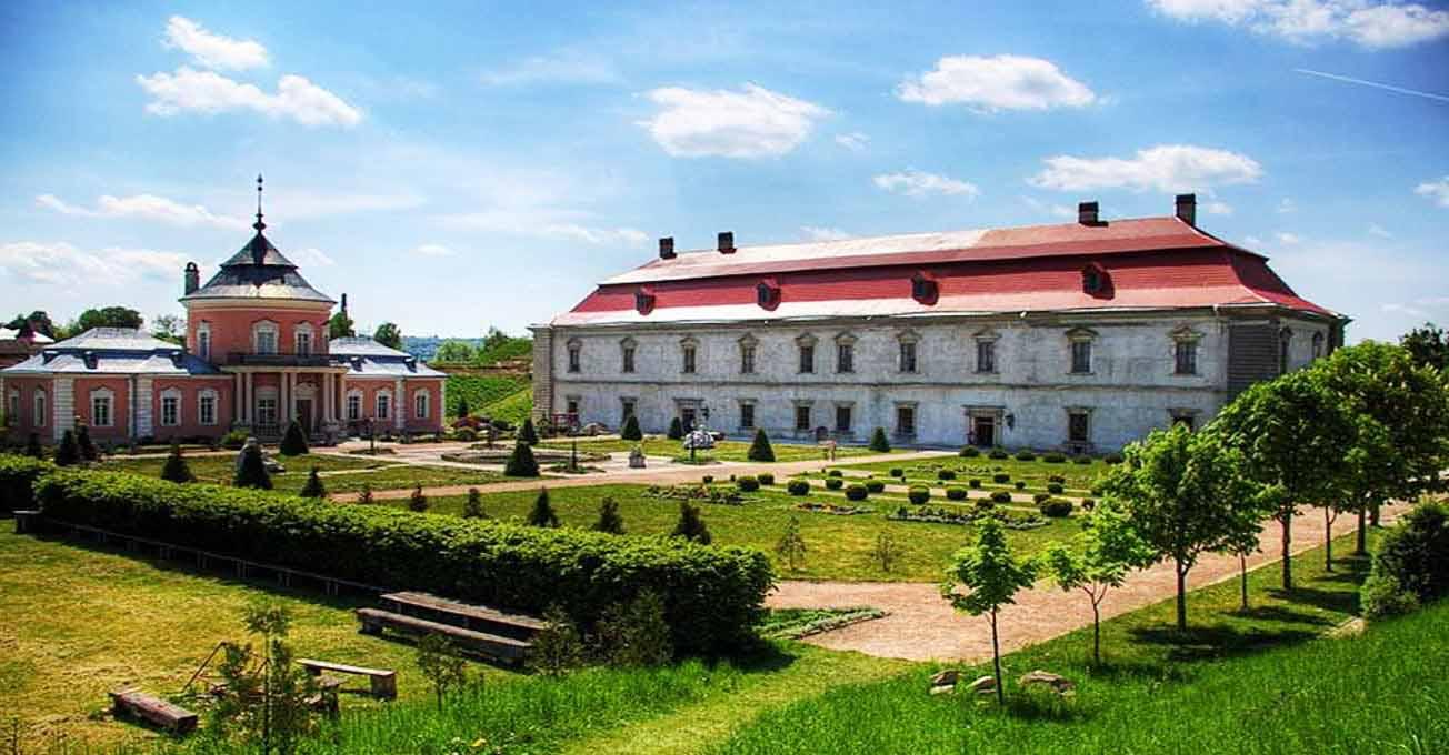 Найкрасивіші замки Львівщини
